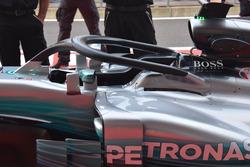 Mercedes-Benz F1 W08 mit Cockpitschutz Halo
