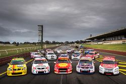 Supercars retro round team photo