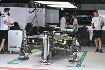 Mercedes-AMG F1 W09, nel garage