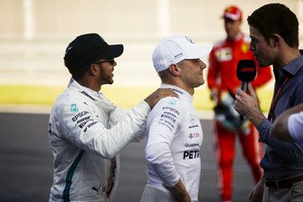 Lewis Hamilton, Mercedes AMG F1, congratulates Pole sitter Valtteri Bottas, Mercedes AMG F1
