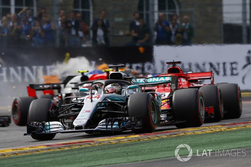 Lewis Hamilton, Mercedes AMG F1 W09, Sebastian Vettel, Ferrari SF71H, Fernando Alonso, McLaren MCL33