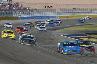 Ryan Blaney, Team Penske, Ford Fusion PPG and Martin Truex Jr., Furniture Row Racing, Toyota Camry 5-hour ENERGY