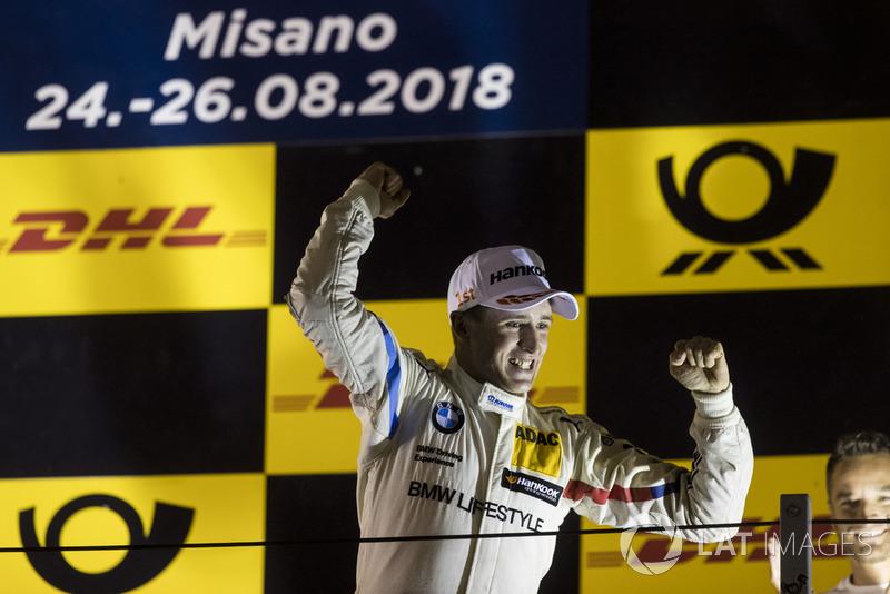 Podio: el ganador, Joel Eriksson, BMW Team RBM