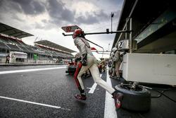 #92 Porsche Team Porsche 911 RSR: Kevin Estre