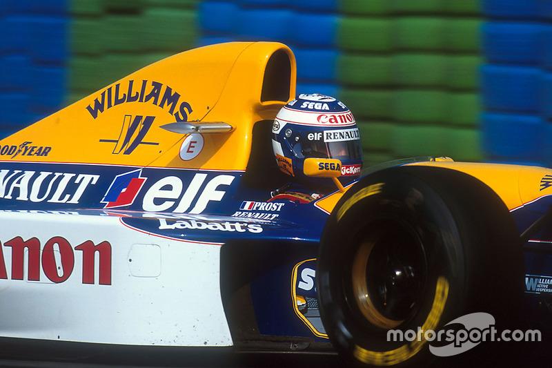 Сезон 1993 года проходил в Формуле 1 под диктовку Алена Проста. Пропустив минувший чемпионат, Профессор подписал контракт с Williams и получил быстрейшую машину. Выступая быстро и стабильно, француз уверенно шел к титулу чемпиона.