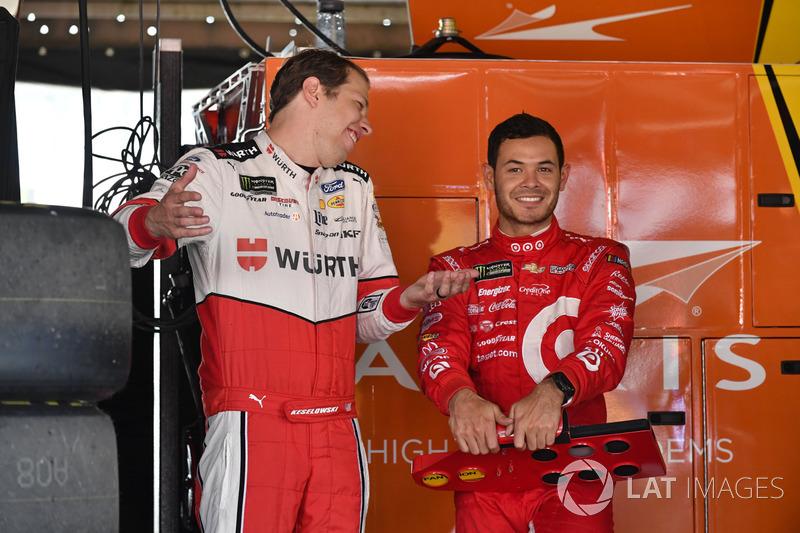 Brad Keselowski, Team Penske, Ford; Kyle Larson, Chip Ganassi Racing, Chevrolet