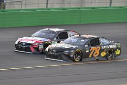 Kyle Busch, Joe Gibbs Racing Toyota, Martin Truex Jr., Furniture Row Racing Toyota