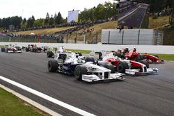 Nick Heidfeld, BMW Sauber F1.09, Jarno Trulli, Toyota TF109, Kimi Raikkonen, Ferrari F60