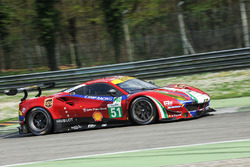 #51 AF Corse Ferrari 488 GTE: Джеймс Каладо, Алессандро Пьергвиди