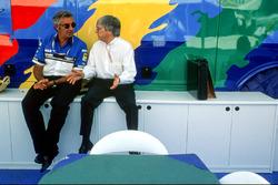 Flavio Briatore, Benetton, Teamchef, mit Bernie Ecclestone, Formel-1-Boss