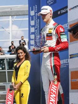 Rookie-Podium: 2. Mick Schumacher, Prema Powerteam, Dallara F317 - Mercedes-Benz