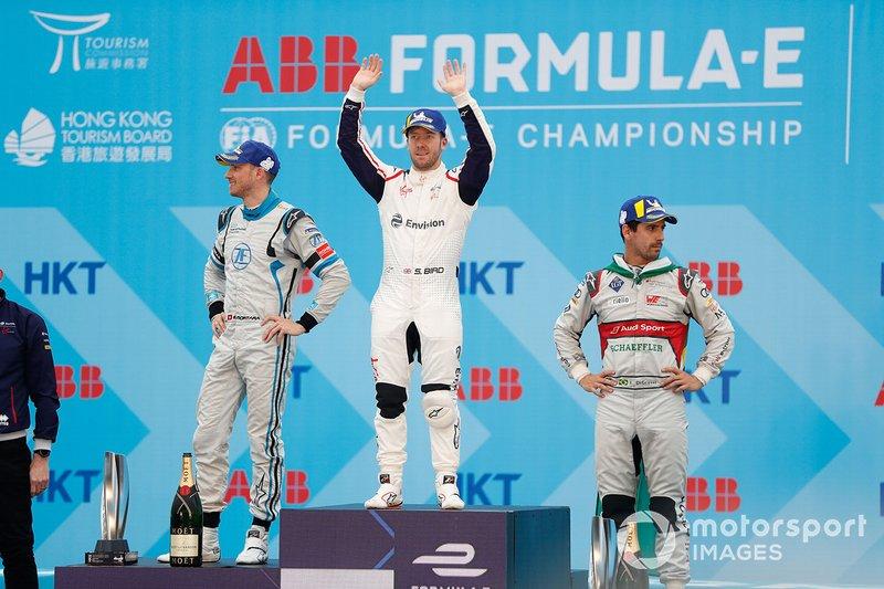 Sam Bird, Envision Virgin Racing celebrates victory on the podium with Edoardo Mortara, Venturi Formula E, 2nd position, Lucas Di Grassi, Audi Sport ABT Schaeffler, 3rd position