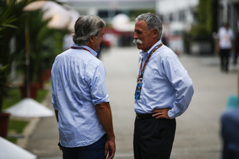 Carlos Sainz Sr y Chase Carey, presidente de Formula One