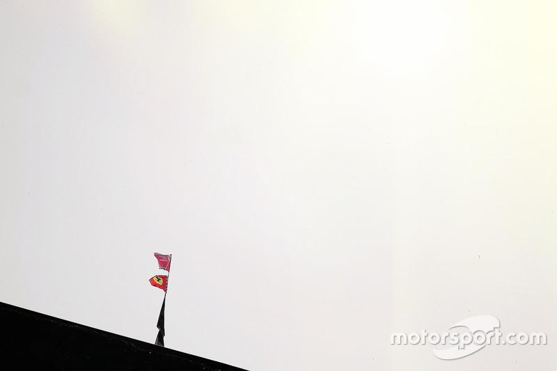 Bandiere Ferrari
