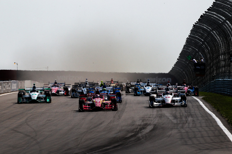 Start: Scott Dixon, Chip Ganassi Racing Chevrolet leads