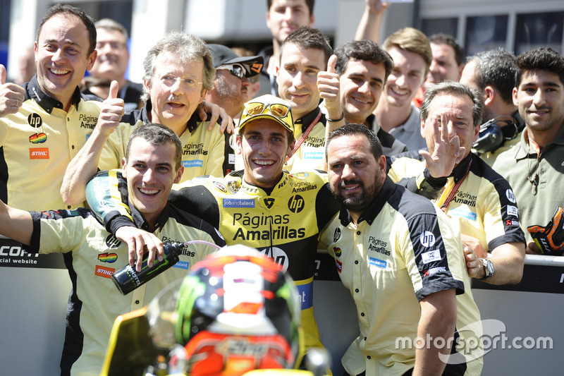 Alex Rins, Paginas Amarillas HP 40, Kalex celebrate in parc ferme