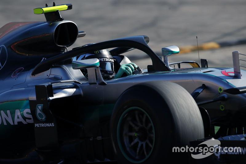 Rosberg zet als eerste een tijd neer met de halo