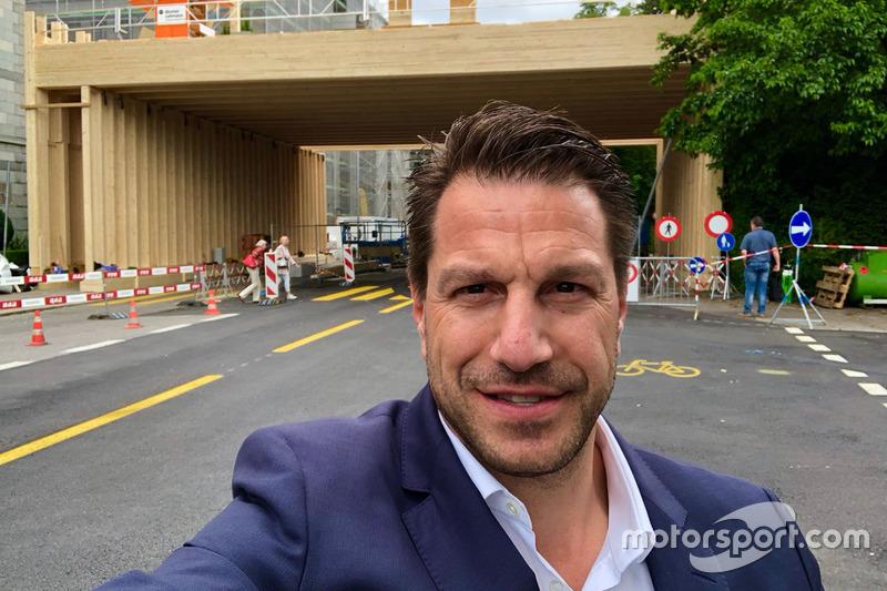 Marco Parroni of Julius Baer Bank checking the Zurich ePrix racetrack