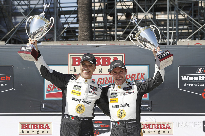 Ganadores de la carrera #5 Action Express Racing Cadillac DPi, P: Joao Barbosa, Filipe Albuquerque