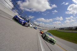 Dale Earnhardt Jr., Hendrick Motorsports Chevrolet and Chase Elliott, Hendrick Motorsports Chevrolet lead the field