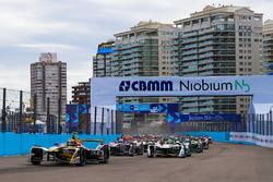Jean-Eric Vergne, Techeetah, Lucas di Grassi, Audi Sport ABT Schaeffler, Alex Lynn, DS Virgin Racing, at the start of the race