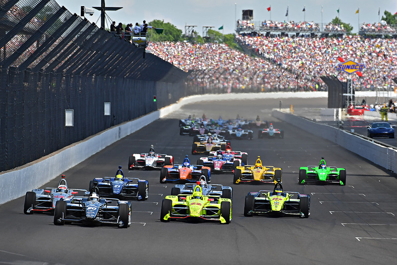 Start: Ed Carpenter, Ed Carpenter Racing Chevrolet aan de leiding
