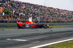 David Coulthard con RB7 durante el Jumbo Race Days