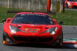 #11 Kessel Racing Ferrari 488 GT3: Michael Broniszewski, Alessandro Pier Guidi