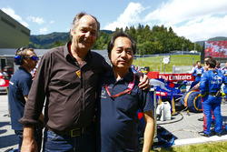 Gehard Berger with Toyoharu Tanabe, F1 Technical Director, Honda