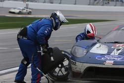 Pitstop, #67 Ford Performance Chip Ganassi Racing Ford GT: Ryan Briscoe, Richard Westbrook, Scott Dixon