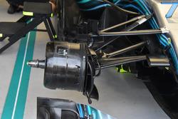 Mercedes AMG F1 W09, dettaglio del cestello del freno anteriore