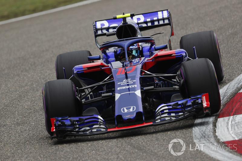 17: Pierre Gasly, Toro Rosso STR13 Honda, 1'34.101