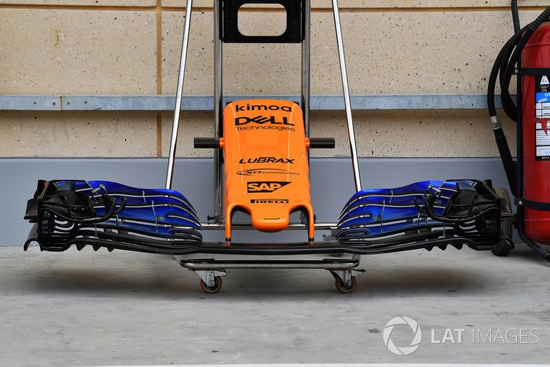 Nez et aileron avant de la McLaren MCL33