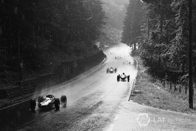 Grand Prix d'Allemagne 1964 : Jim Clark, Lotus 33, en tête