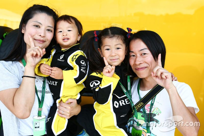 Fans vom Renault Sport F1 Team