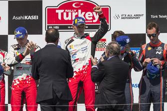 Podium: Ott Tänak, Martin Järveoja, Toyota Gazoo Racing WRT Toyota Yaris WRC
