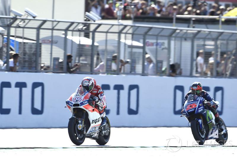 Переможець гонки Андреа Довіціозо, Ducati Team, Маверік Віньялес, Yamaha Factory Racing