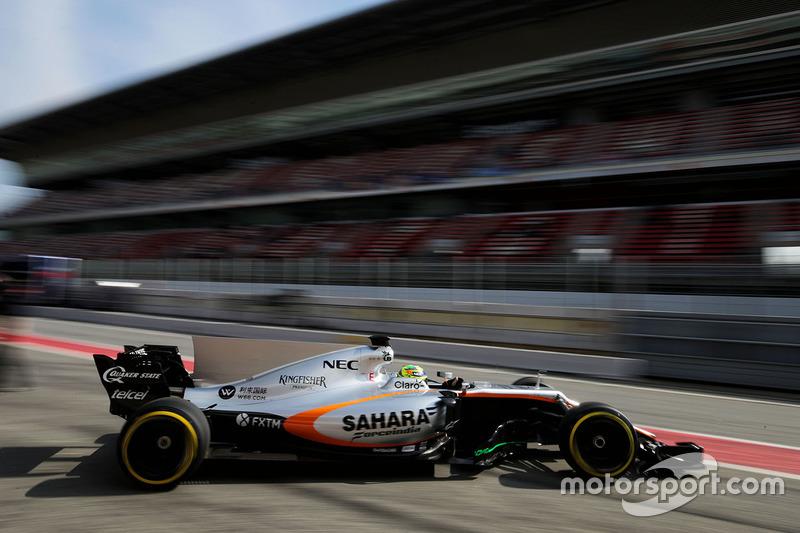 Sergio Perez, Sahara Force India F1 VJM10 quitte les stands