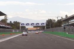 Rogelio López, Alpha Racing se lleva la bandera a cuadros de la carrera 2