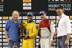 Podium: Race winner Juan Pablo Montoya, second place Tom Kristensen and Fredrik Johnsson, RoC