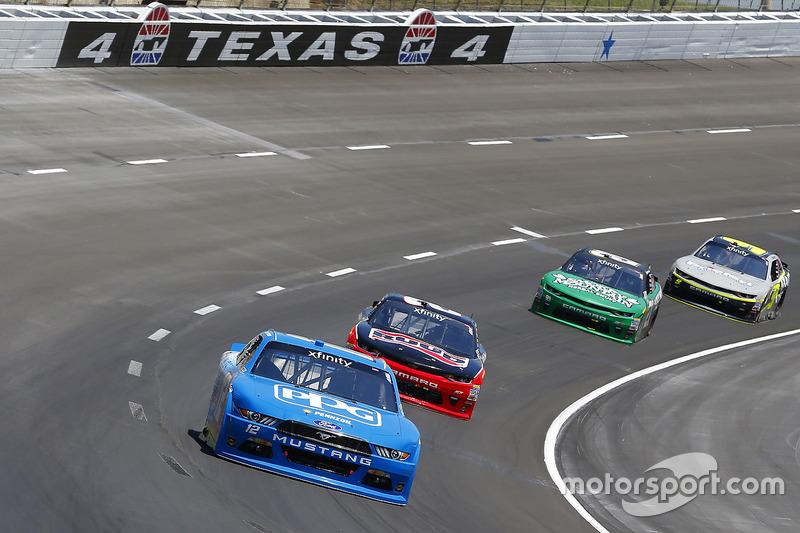 Joey Logano, Team Penske, Ford; Austin Dillon, Richard Childress Racing, Chevrolet