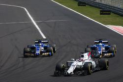 Paul di Resta, battles with Marcus Ericsson, Sauber C36 and Pascal Wehrlein, Sauber C36