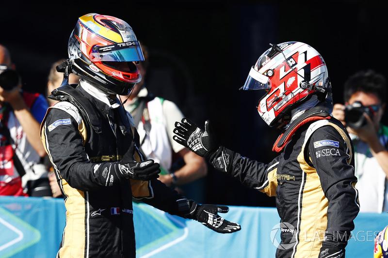 Jean-Eric Vergne, Techeetah, felicita a Stéphane Sarrazin, Techeetah, después de la carrera