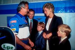 Flavio Briatore, Benetton, Teamchef, mit Prinzessin Diana von Wales und deren Sohn, Prinz Harry