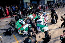 Pitstop: #29 Audi Sport Team Land-Motorsport, Audi R8 LMS: Christopher Mies, Connor De Phillippi, Markus Winkelhock, Kelvin van der Linde
