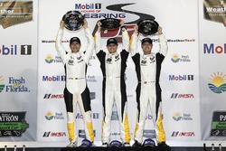 Ganador GTLM: #3 Corvette Racing Chevrolet Corvette C7.R: Antonio Garcia, Jan Magnussen, Mike Rockenfeller
