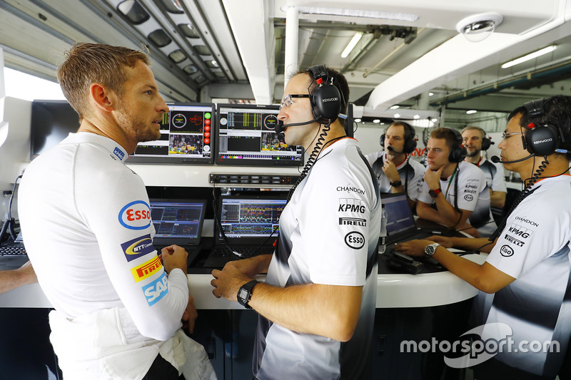 Jenson Button, McLaren in the garage