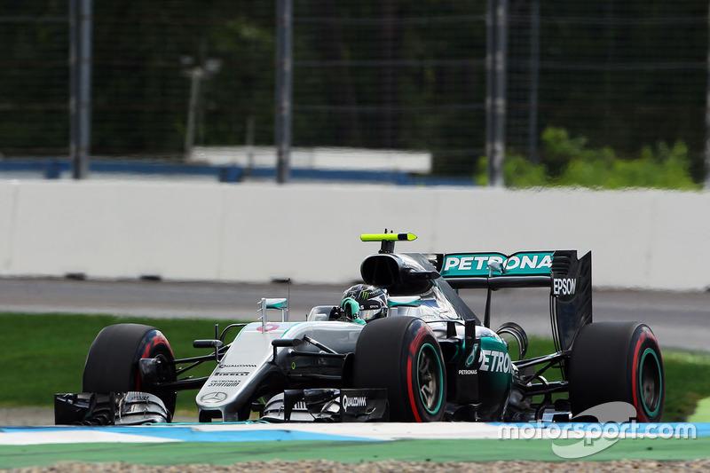 1: Nico Rosberg, Mercedes AMG F1 W07 Hybrid