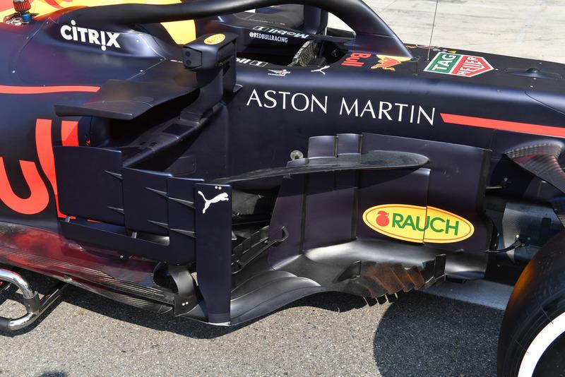 Red Bull Racing RB14 pontón