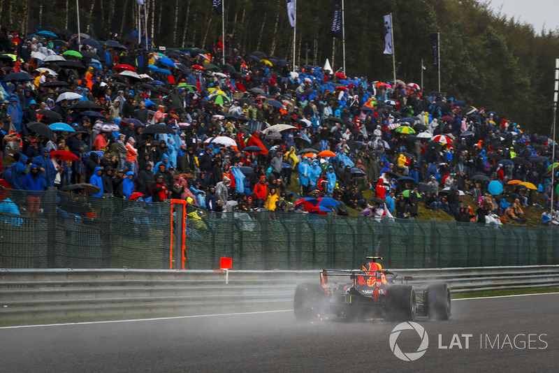 7: Max Verstappen, Red Bull Racing RB14, 2'02.769